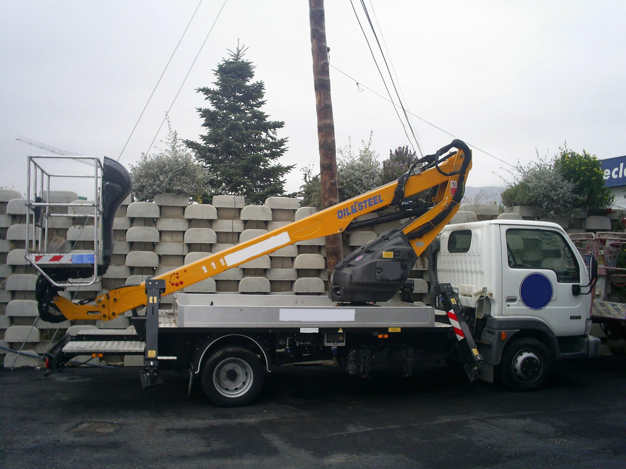 Plataforma sobre camión Modelo SCORPION 1812 SMART Altura de trabajo de 18m